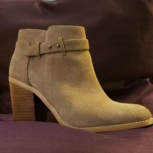 Sole Society Lyriq Booties in Coffee Cow Suede